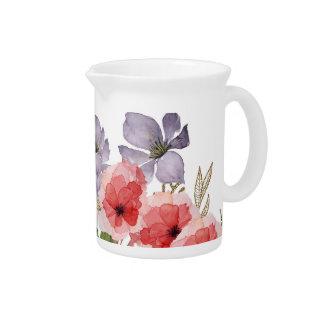 Flores rosadas y azules bonitas de la acuarela jarra de beber