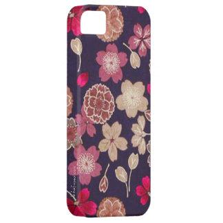 Flores rosadas y del moreno iPhone 5 cárcasa