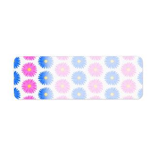 Flores rosadas y flores azules Modelo Etiquetas De Remite
