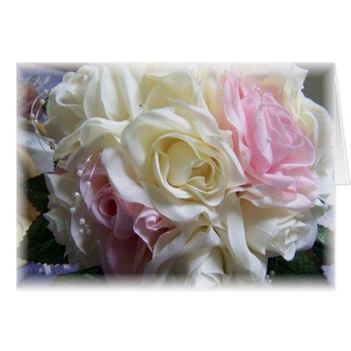 Flores rosadas y poner crema del boda felicitacion