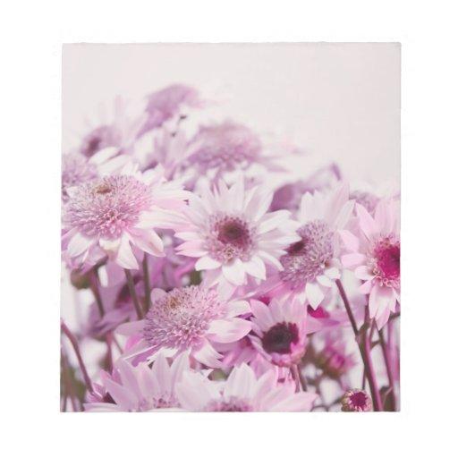 Flores rosadas y púrpuras bloc de papel