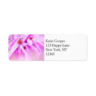 Flores rosados bonitos de la flor etiqueta de remitente