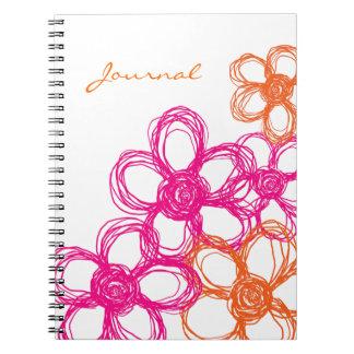 Flores salvajes anaranjadas y rosadas libros de apuntes con espiral