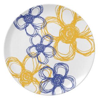 Flores salvajes azules y amarillas platos para fiestas