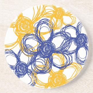 Flores salvajes azules y amarillas posavasos para bebidas