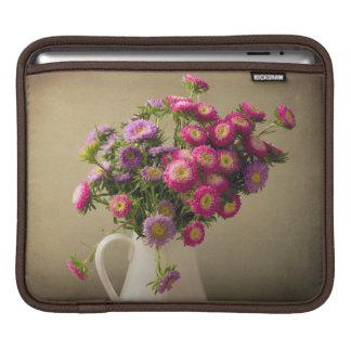 Flores salvajes en un bolso del ordenador portátil manga de iPad