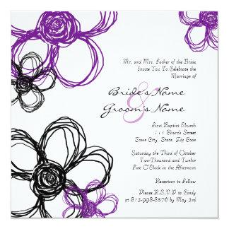 Flores salvajes púrpuras y negras que casan la comunicados personalizados