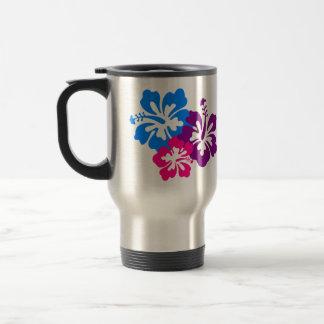 Flores tropicales del hibisco en colores taza de viaje