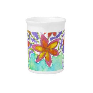 Flores tropicales en jarra azul
