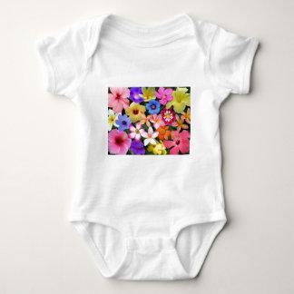 Flores tropicales mameluco de bebé