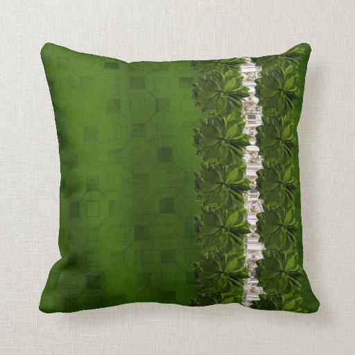 Flores y diamantes artificiales verdes que hacen j cojines