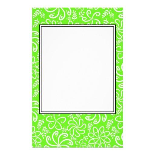 Flores y efectos de escritorio verdes enrrollados   papeleria de diseño