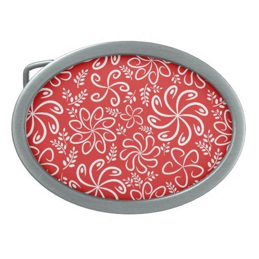 Flores y hebilla del cinturón rojas enrrolladas de hebillas de cinturon