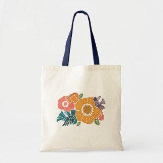 flores y la bolsa de asas Mano-talladas de los
