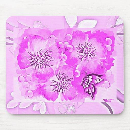 Flores y mariposa de las rosas fuertes tapete de raton