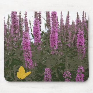 Flores y mariposa tapete de ratón