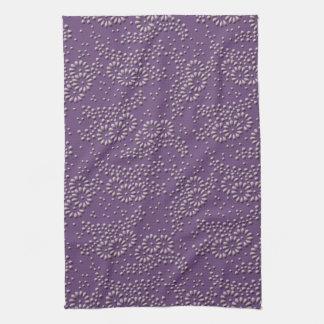 Flores y modelo japonés púrpura de los puntos toalla de cocina