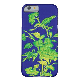 Flores y pájaros, diseño gráfico azul, amarillos, funda de iPhone 6 barely there