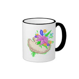 Flores y paleta del artista taza a dos colores
