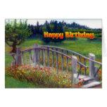Flores y pasarela - carril del feliz cumpleaños de tarjeta