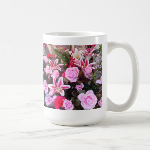 Flores y rosas rosados: taza
