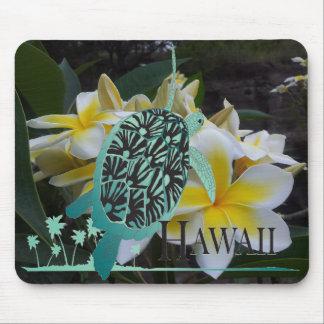 Flores y tortuga del Plumeria de Hawaii Alfombrillas De Ratón