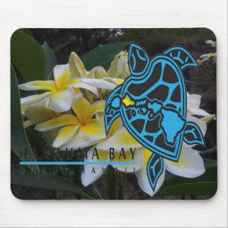 Flores y tortuga del Plumeria de Hawaii Alfombrillas De Ratones
