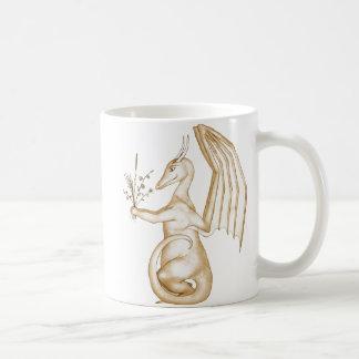 Florezca el dragón del oro taza básica blanca