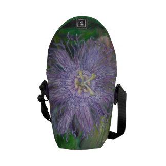 FLORIDA PASSION FLOWER VINE Messenger Bag