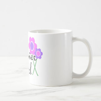 Florista púrpura de la margarita taza de café