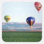Flotador colorido de los globos del aire caliente calcomania cuadradas