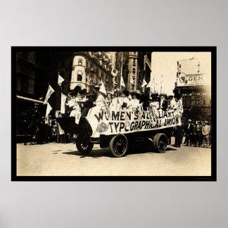 Flotador en el desfile New York City 1909 del Día  Póster