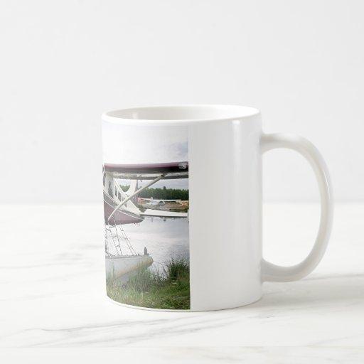 Flote el avión, capilla del lago, Anchorage, Alask Tazas