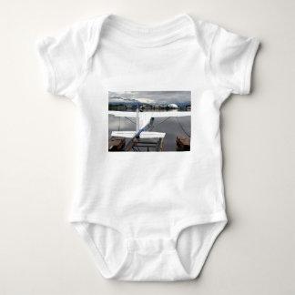 Flote el avión, capilla del lago, Anchorage, Polera