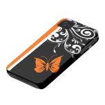 Flourish blanco y negro anaranjado de la mariposa Case-Mate iPhone 4 carcasa