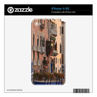flower baskets and ornate Palace details, Italy Skins For iPhone 4S