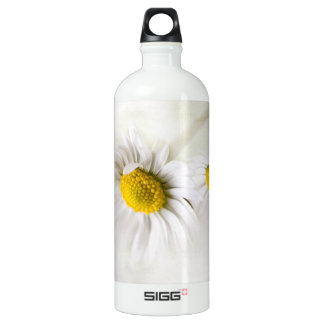Flower daisy charms with its softness SIGG traveler 1.0L water bottle