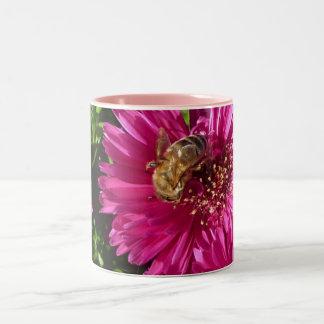 Flower diseño - Good Morning, Honeybee! Taza Dos Tonos