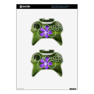 Flower of the bigleaf periwinkle (Vinca major). Xbox 360 Controller Skin