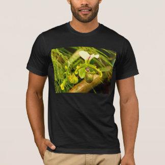 Flower - Orchid - Paphiopedilum insigne T-Shirt