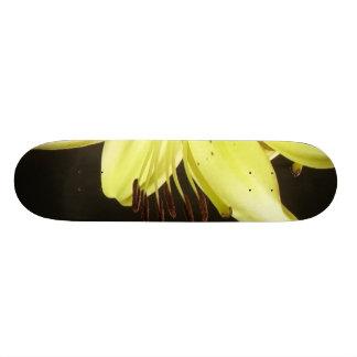 Flower Pistons Skateboard