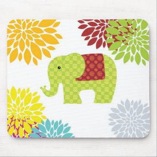 Flower power colorido bonito del elefante del mousepads
