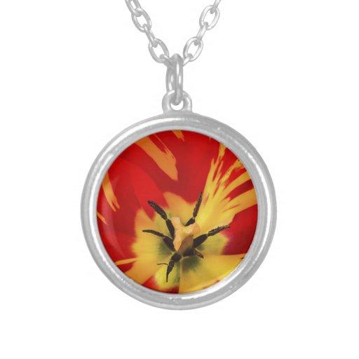 Flower power rojo colgante redondo
