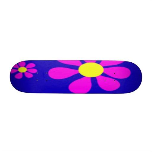 FLOWER POWER SKATEBOARD - PRETTY GIFTS - GAMES