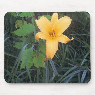 flower = pretty mouse mat