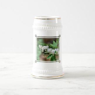 Flowering White Bleeding Heart Beer Stein 18 Oz Beer Stein