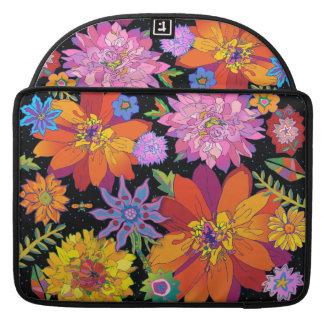 'flowerRiot' Sleeve For MacBook Pro