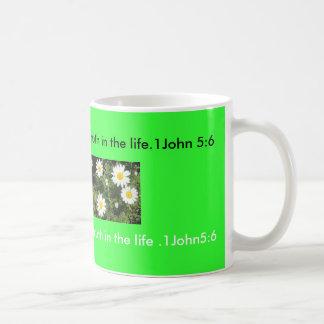 Flowers0047_thumblarge80,    Jesús dijo: soy… Taza Básica Blanca