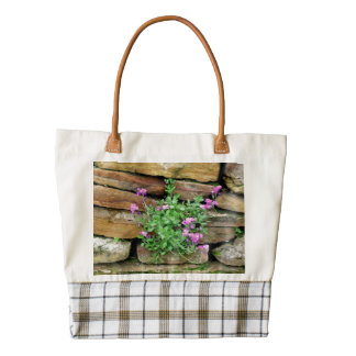 FLOWERS GROWING OUT FROM ROCK WALL/ TOTE ZAZZLE HEART TOTE BAG