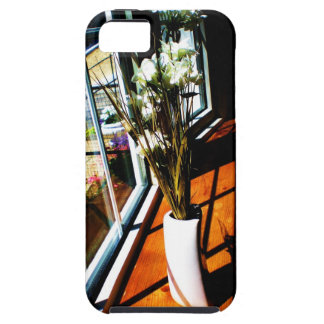 Flowers in the Window iPhone SE/5/5s Case
